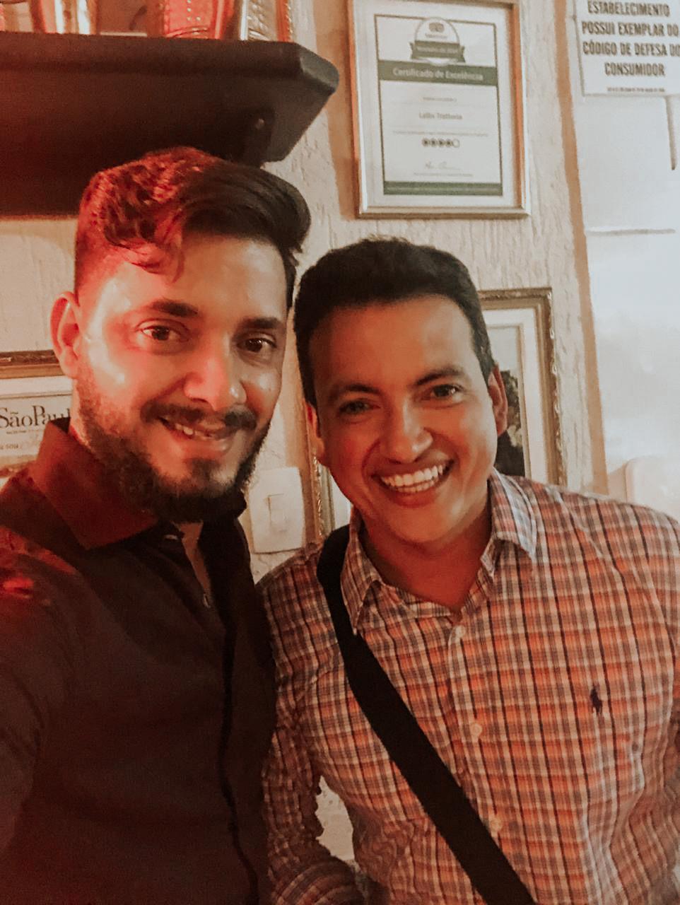 O hair stylist brasiliense Rafael Ribeiro entra para o time de artistas criativos da Olenka Cosméticos