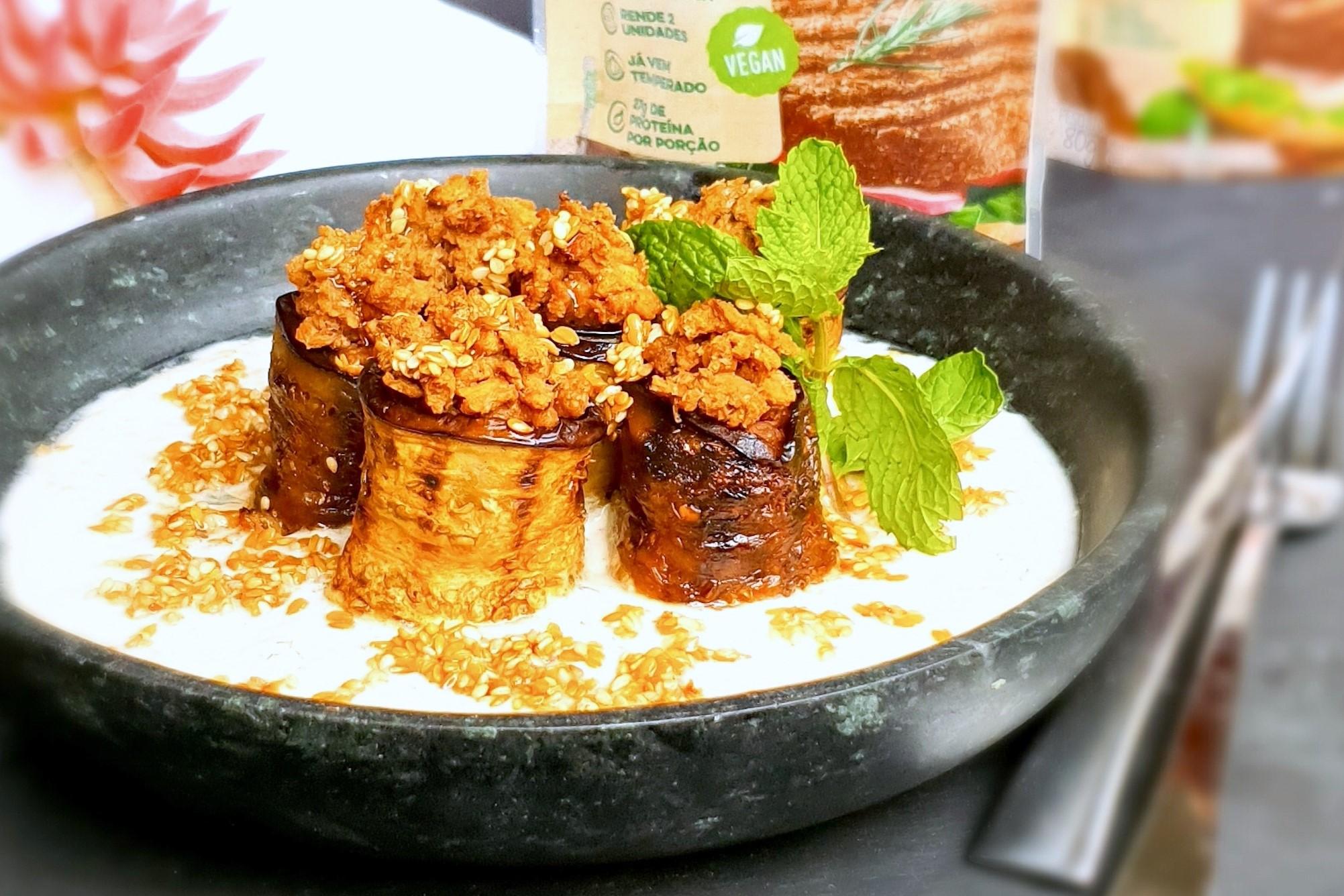 Chefs renomados desenvolvem receitas com carne vegetal em desafio online