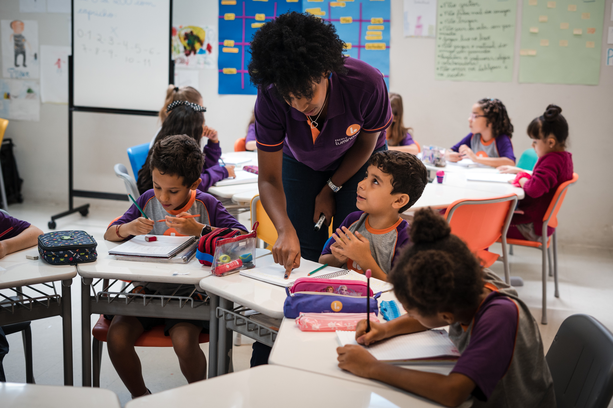 Dentro e fora da sala de aula, todos devem combater o racismo