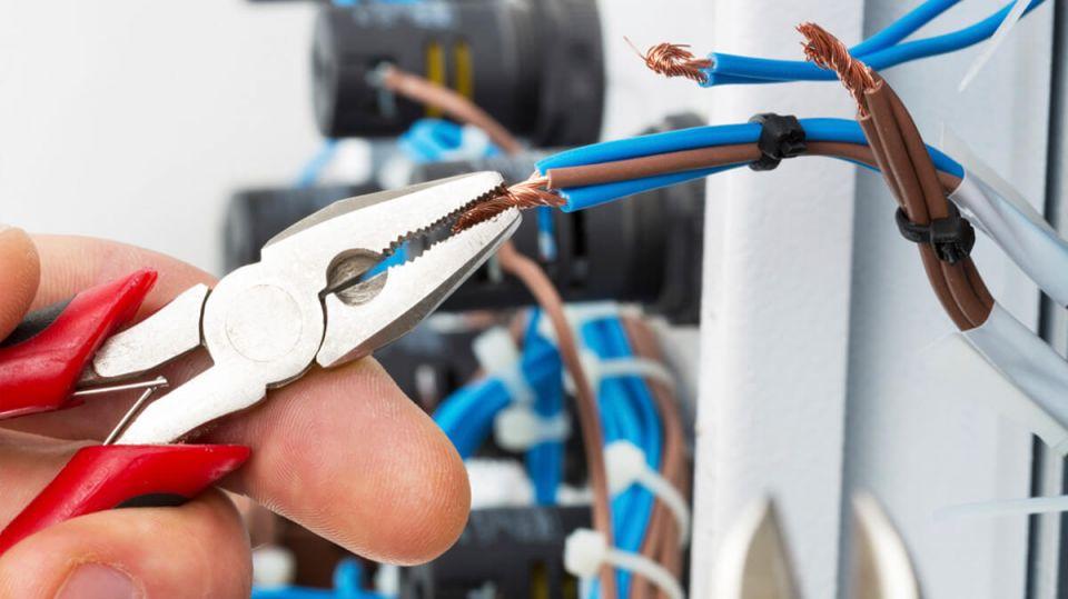Checar a segurança nas instalações elétricas pode preservar os bens materiais e salvar vidas